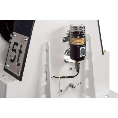 Mise en place verticale de la pompe à graisse treuils LS